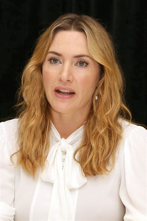 """Kate Winslet – """"Wonder Wheel"""" Press Conference in NY 10/14"""