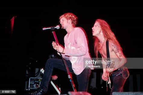 Layne Staley and Jerry Cantrell of Alice In Chains