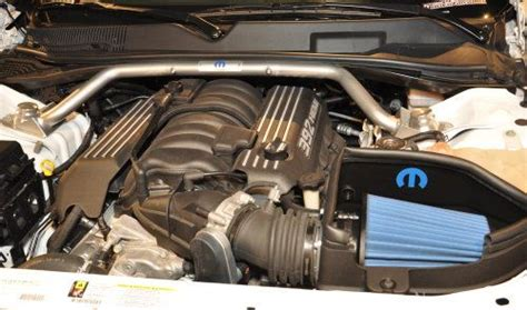 The engine bay of the Dodge Challenger SRT8 ACR   Torque News