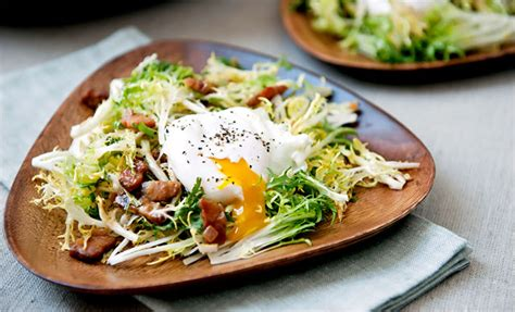 The Secret to a Great Salade Lyonnaise - The New York Times