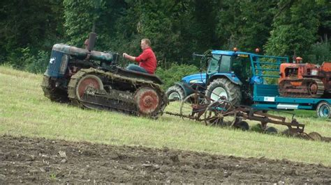 Fordson crawler tractor - YouTube