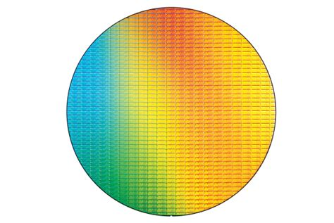 Intel: Moore's Law will continue through 7nm chips   PCWorld