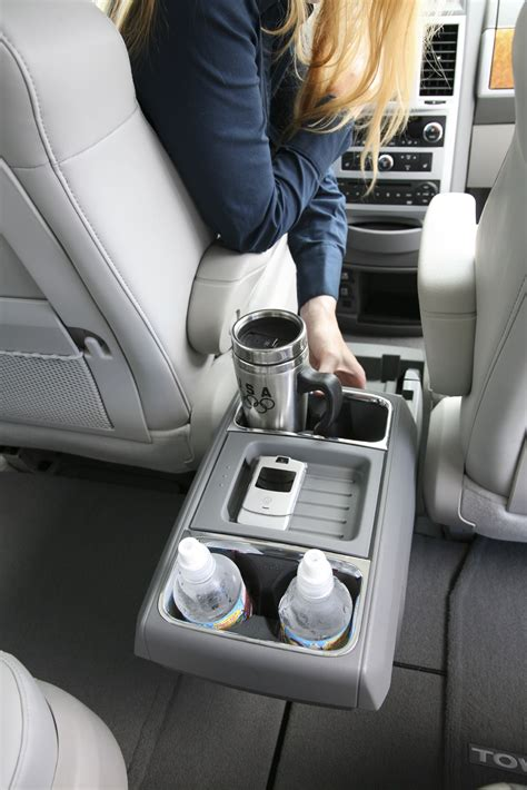 All-new 2008 Chrysler Town & Country Wins Ward's Interior