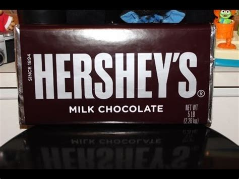 UNWRAPPING WORLDS LARGEST HERSHEY'S BAR - YouTube