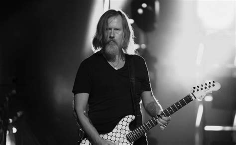 Alice In Chains' Jerry Cantrell Rescued On Tour Bus: 'He
