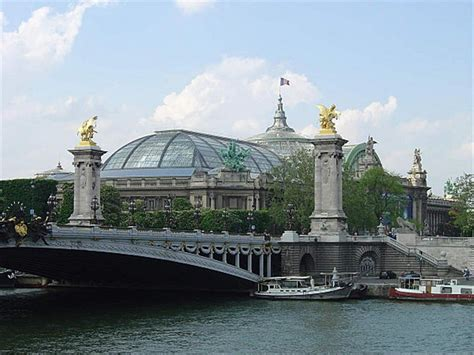 Grand and Petit Palais, National Galerie - monuments and