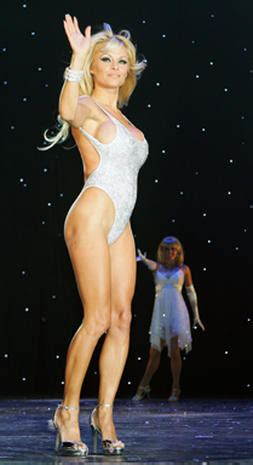 Pam Anderson's Magic - Photo 1 - Pictures - CBS News