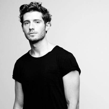 'Once Upon a Time' Alum Julian Morris Joins 'New Girl