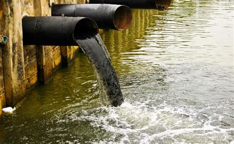 The water pollutants and the protection of the water from