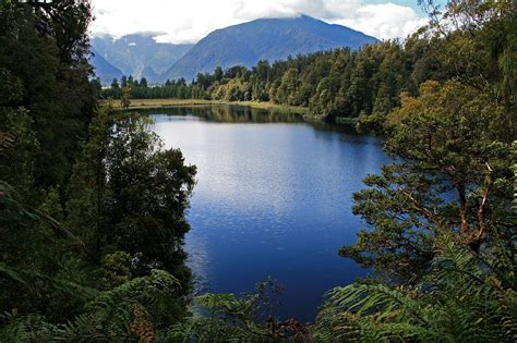 The 10 Most Beautiful Lakes in the World