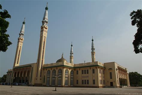 Welcome to the Islamic Holly Places: Conakry Grand Mosque